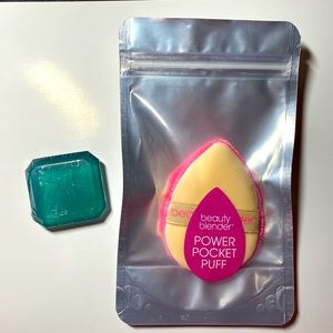 Beauty Blender Power Pocket puff with soap